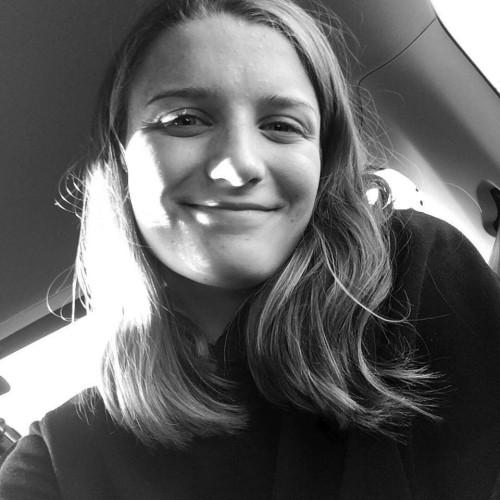"""Hanne: """"Ik vind groepssfeer een heel belangrijk element en loop dus graag mee met enkele goede vrienden die ik leerde kennen via mijn inleefreis met Dwagulu Dekkente en Solidagro."""""""
